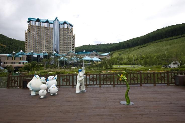 [Kangwon Land Lake Park walking trails in High1 Resort] ; Photo sketch in the High 1 Ski Resort in Jungsun, South Korea on June 5th, 2013. English homepage. www.high1.com/... Korean homepage. www.high1.com/... Blog. blog.naver.com/... FaceBook. www.facebook.com/... Tweeter. twitter.com/