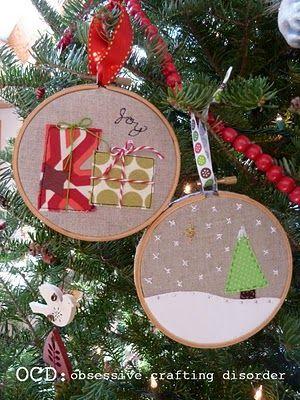 Embroidery hoop art.: Christmas Hoop Lah, Christmas Gift Ideas, Frame, Cute Christmas Gifts, Gifts Revealed, Embroidery Hoop, Christmas Ornaments