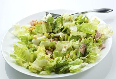 Afla cum sa prepari o salata de ton cu salata verde. Incearca aceasta reteta de salata de ton cu salata verde propusa de noi.