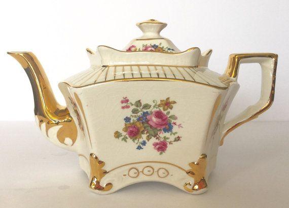 Vintage Arthur Woods Teapot
