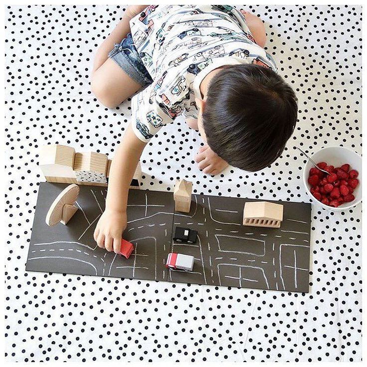Imaginative play is the best fun! The @kukkia101 London machi mini wooden town encourages your child to create their own version of the town by drawing a road on the magnetic chalkboard base and setting up the wooden pieces in any way wanted! : @cheeky_me_  Shop the range: http://ift.tt/1r8jRzj #minimacko #kukkia #machimini #london