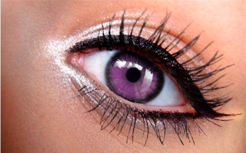 10 Eyeliner Tricks- Also like the violet eye color!