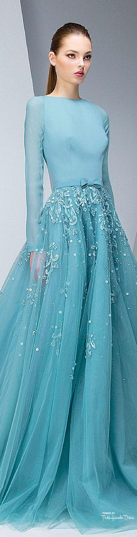 weer een prachtige jurk pas ik niet in geeft niet mooi blijft het wel en mooi om naar te kijken.