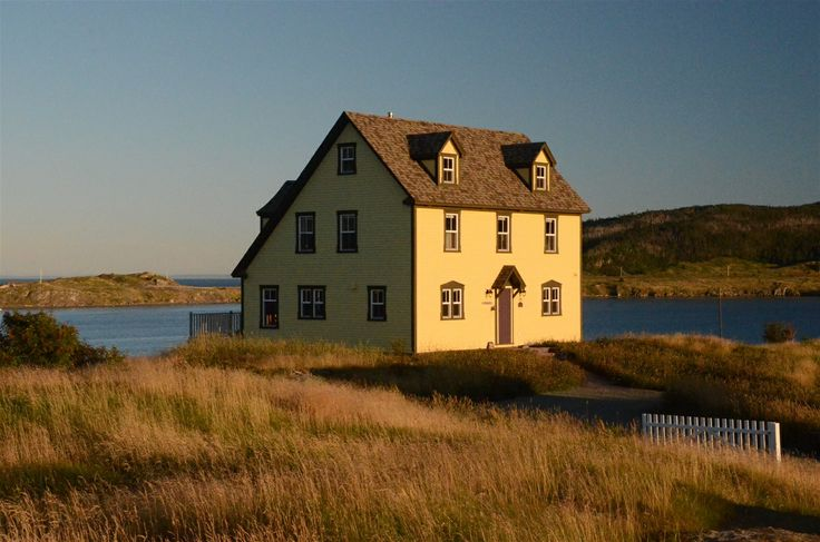 http://www.cottagecountry.com/commanders-keep-vacation-home-cottage-trinity-nl/ Picturesque Newfoundland Home