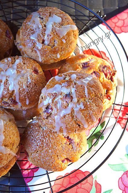 Kitchen Stori.es: Μπισκότα Φράουλας με Γλάσο Πορτοκαλιού