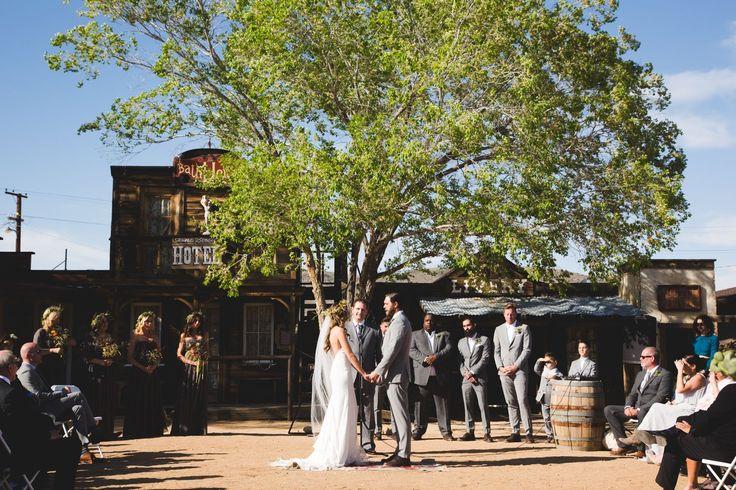 Our wedding got featured on Rustic Wedding Chic // Rustic Hip Wedding @rusticwedchic