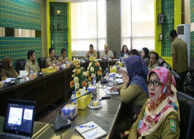 Siak, Oketimes.com - Asisten Administrasi Umum Setdakab Siak, Drs H Jamaluddin MSi buka Rapat Forum Komunikasi Pemangku Kepentingan Utama Kuartal II dan Forum Koordinasi