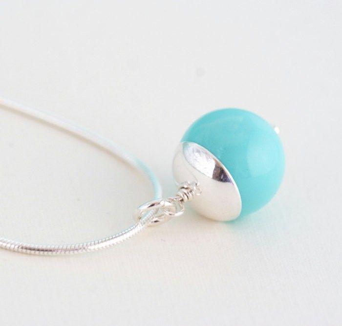 Necklace on framestr.com