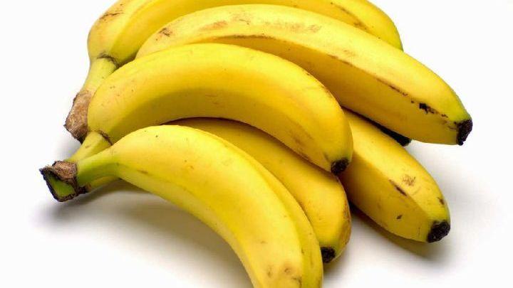 Δέκα λόγοι για να μην πετάξετε τις φλούδες από τις μπανάνες