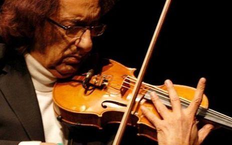 """İstanbul """"Kemanı ağlatan adam"""" olarak bilinen  Farid Farjad'ı ağırlayacak. Avea Sıradışı Müzik Konserleri ile 28 Şubat akşamı saat 20.30' da İstanbul Kongre Merkezi'nde sevenleriyle buluşmaya hazırlanıyor. Bunun için çok heyecanlı olduğunu ifade eden Farjad, Türkiye'ye duyduğu özlemle ilgili açıklamalarda bulundu. http://www.haberci.org/index.php?do=haber&id=4552"""