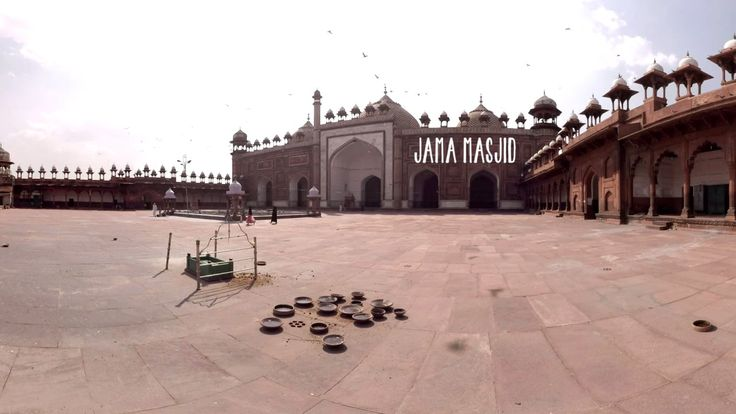 One day in Agra 360° Virtual Tour / Virtual reality video -  VR / Who would not know one of the seven wonders of the world and also the best-known mausoleums - the Taj Mahal? And other places...