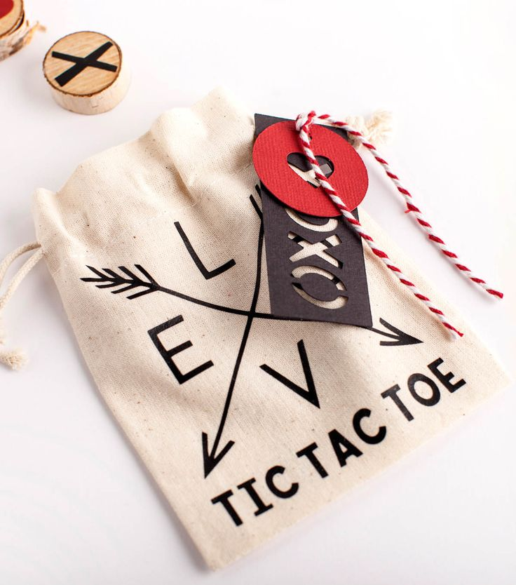 Make A Valentine Tic Tac Toe Game with heat transfer vinyl