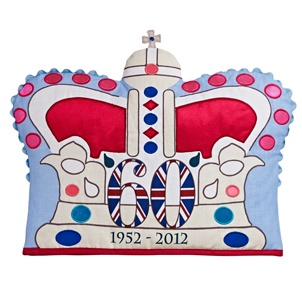 Google Image Result for http://www.ljwb.co.uk/assets/Uploads/jubilee-crown.jpg