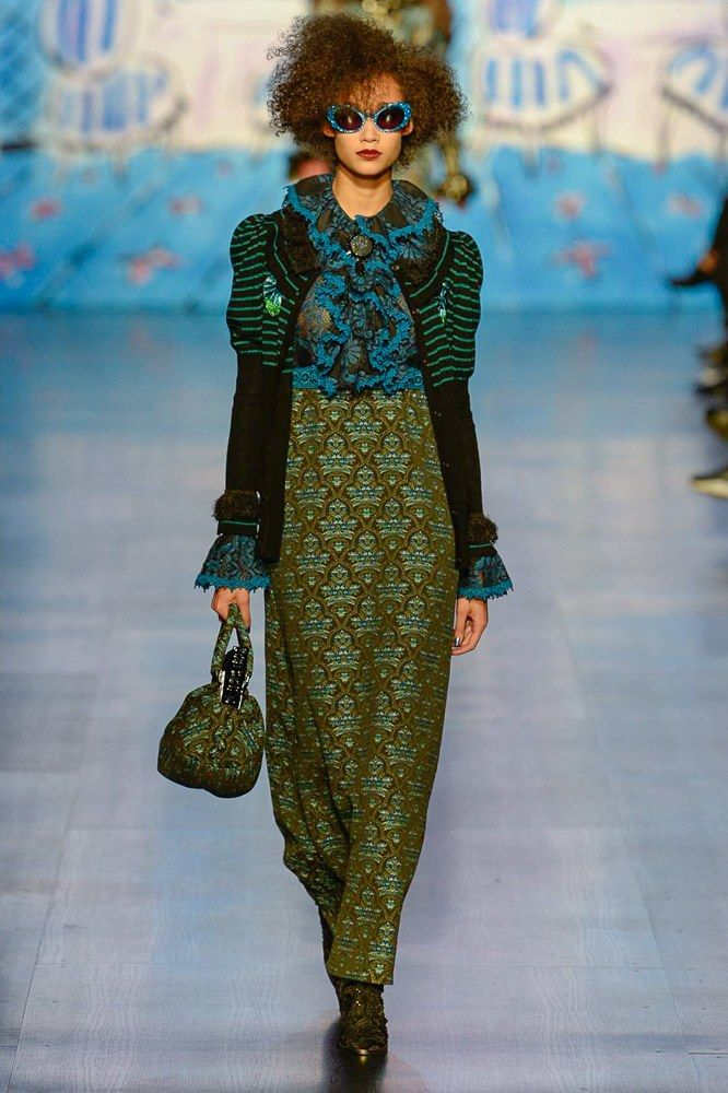 http://www.vogue.com/fashion-shows/fall-2017-ready-to-wear/anna-sui/slideshow/collection