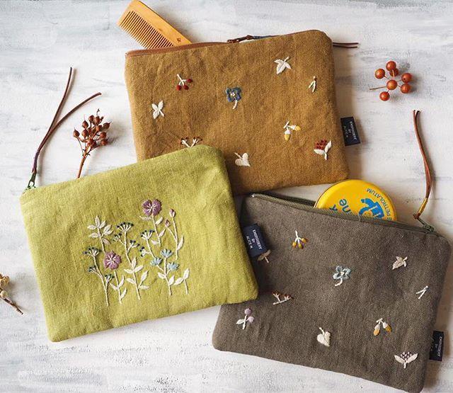 ファスナーポーチが完成。10月展示会ご案内は明日いたします。#刺繍#手刺繍#ポーチ#ハンドメイド#イベント#花#草花#自然#マカベアリス#embroidery #handembroidery #handmade #bag#flower #nature #flowers#alice makabe