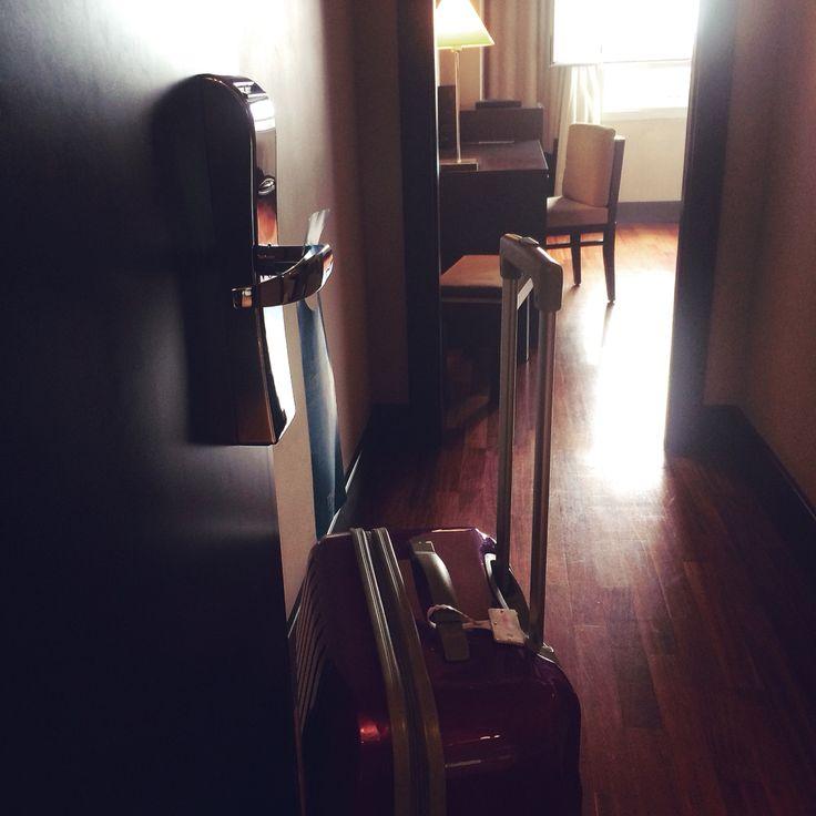 Pensando en hacer una #escapada en junio disfrútalo ... Hay #hoteles #hotel  con encanto  como el #nh #cancillerayala #photo de mi última visita a #vitoria #vitoriagasteiz . Me enamoro lo de ella cada vez que vuelvo , anímate y conócela en profundidad .. Te encantara Os recordamos que si precisáis de una #maleta nueva #luggage ? acércate a  #thebackpack   #outletgacela   y llévatela al mejor precio #nosvemosenlastiendas #pasalo es importante estamos para ayudarte en lo que precises .