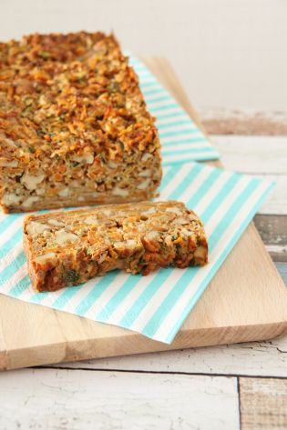 wortel-courgette brood met geitenkaas