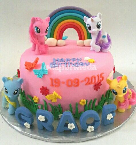 30 best Vespa theme cake images on Pinterest Vespa cake Theme