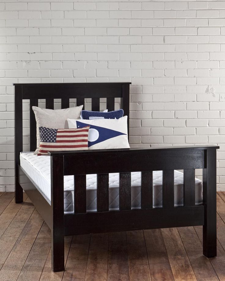 NEW ENGLAND SINGLE BED