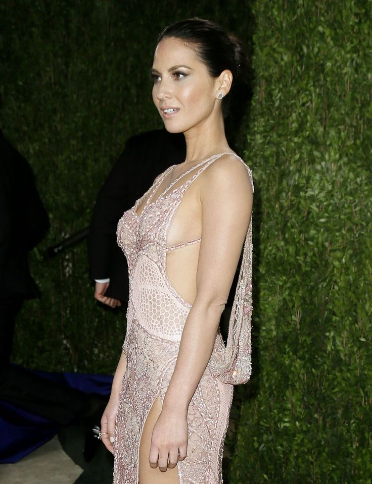 Name: Olivia Munn, Nationality: United States, Profession: Actress, Ethnicity: Caucasian, Birthplace: Oklahoma City, D.O.B: July 3, 1980 , Height: 5 feet and 4 inches, Weight: 53 kgs, Measurements: 34C-25-35 , Enhanced Hooters: No