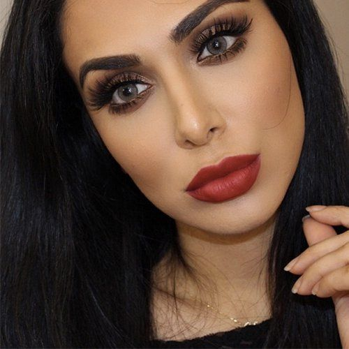 Pin for Later: Why Beauty Fiends are Mesmerized by Blogger Huda Kattan