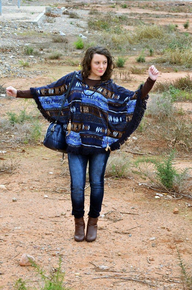 Poncho - Mi Vestido Azul  Fashion and Lifestyle Blog   Spanish bloggerMi Vestido Azul  Fashion and Lifestyle Blog   Spanish blogger