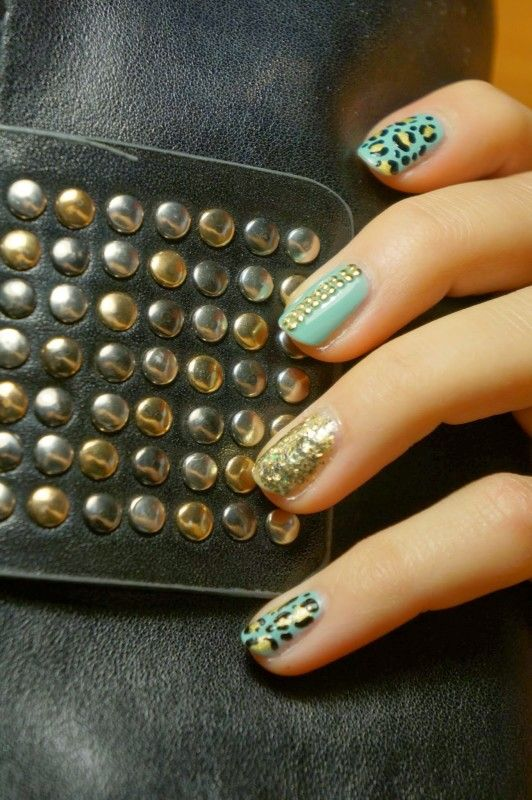 Nails, mint and studs