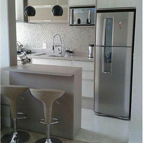 """1,182 curtidas, 22 comentários - Mirian Fernandes (@meu_ape404) no Instagram: """"Uma boa solução para apt pequeno são os ambientes integrados {inspiração✨} . . #cozinha…"""""""