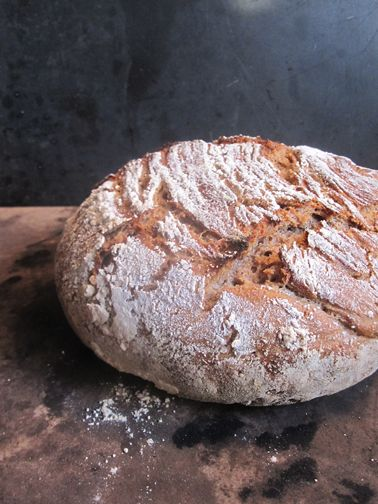 Artistta: The easiest sourdough bread recipe I know (NO KNEADING!) that many have asked me to share and it can be done with 100% whole wheat!