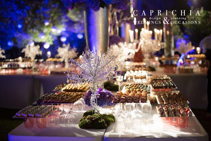 #Buffet de #postres. ----- Buffet of #Desserts   Goyo #Catering (2014) Foto: @mireiagc Wedding Planner: @caprichia