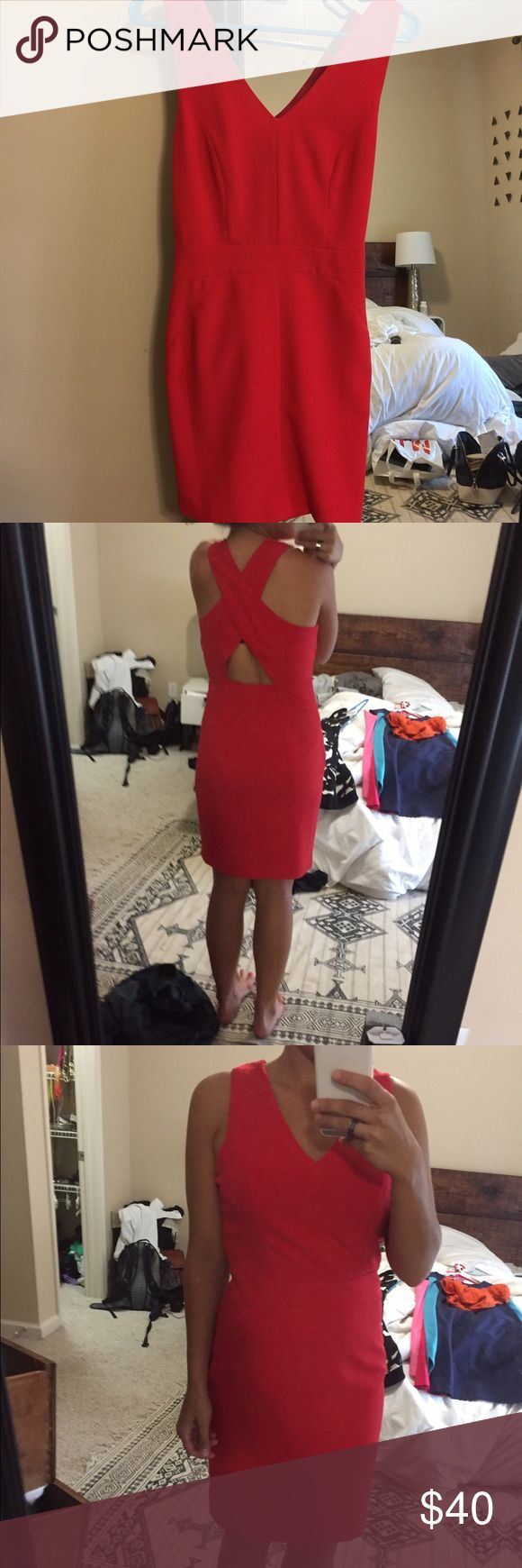 Banana Republic Bright Red Criss Criss Dress The cutest Bright Red Cross cross dress! Straps criss cross in the back and gives a little open back. Fits in body in the right places. Wore it only few times. Perfect for going out or work. Brand: Banana Republic Size: 4 Petite Banana Republic Dresses