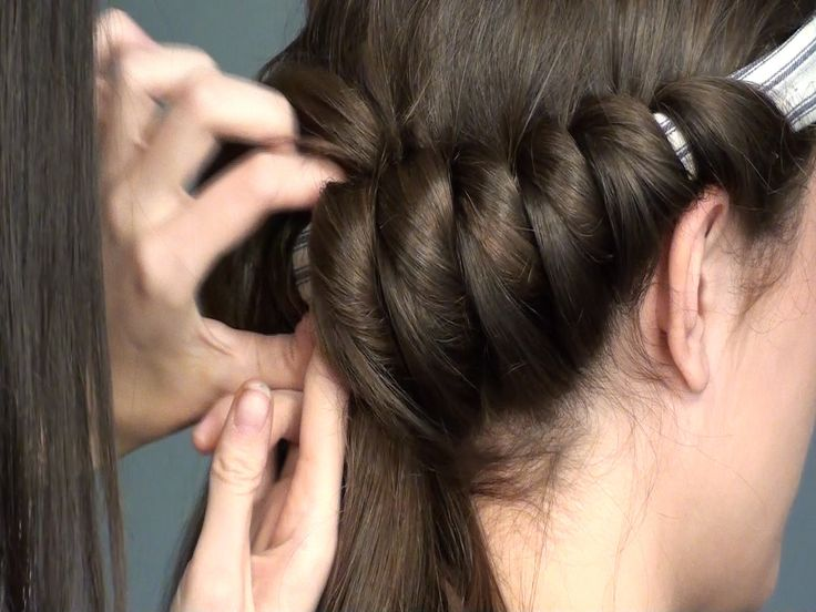 A way to curl hair without heat! This works amazing and looks beautiful when done!