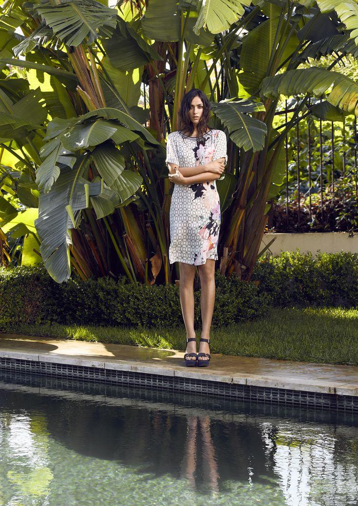 DIGITAL FLORAL DRESS - 2913JX Short sleeve shirt dress.