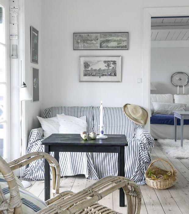 Takket været opførelsen af to ekstra huse på grunden kan hele familien sagtens være samlet i weekender og ferier i det hyggelige sommerhus i…