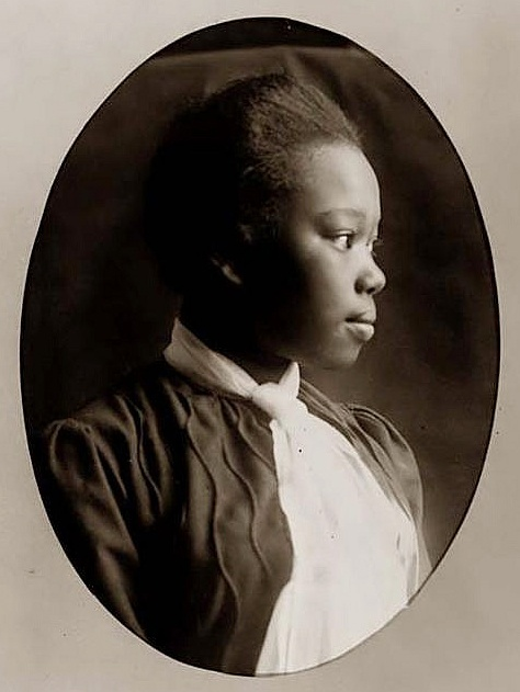 +~+~ Antique Photograph ~+~+  Profile of young african american woman
