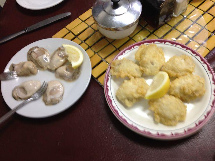Fresh & Fried Bluff Oysters. Best cafe, Dunedin