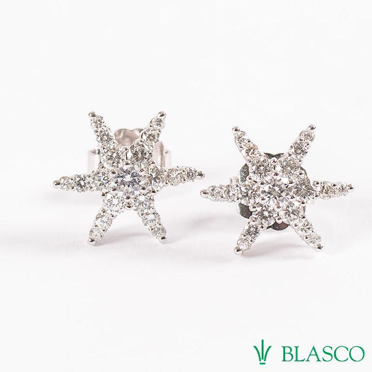 Pendientes Estrellas de diamantes de oro blanco apaladiado con 38 diamantes y peso 1,88 quilates #estrellas de diamantes #pendientesdeestrellas #ofertasdejoyeria #estrellas #pendientes #diamantes #bodas #novias