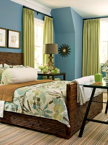 Love this color combo. I would love to stay here on vacation...