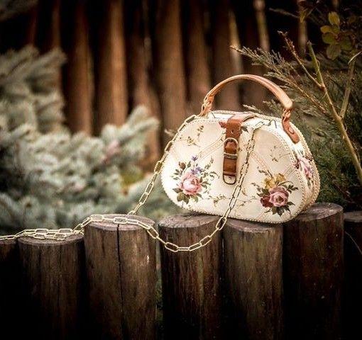 Romantic wooden handbag