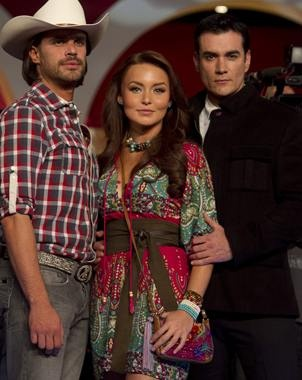 Mark Tacher, Angelique Boyer y David Zepeda en Abismo de Pasíon