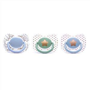 Suavinex Premium Fizyolojik Silikon Emzik 0-4 Ay Erkek Bebeklerinize dair bütün ürünleri kalitesi ve hijyeni ile bilinen dünya markası Suavinex ile mağazamzda sizlere sunuyoruz