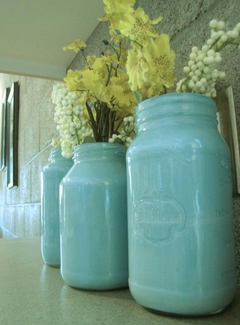 Painted jars - This is the world's easiest diy project, and they look really cute!      1)  start by collecting old jars.    2) wash & dry jars     3) pour a small amount of paint in each jar, then slowly rotate the jar until the paint fills the entire inside.    4) let it dry for a day.    5) The next day, clean up excess paint along the rim and on the outside of the jar with nail polish remover.: Paintings Ball Jars, Easiest Diy'S, Diy'S Projects, Crafts Idea, Small Jars Diy'S, Paintings Masons Jars, Mason Jars, Paintings Jars, Teal Centerpieces