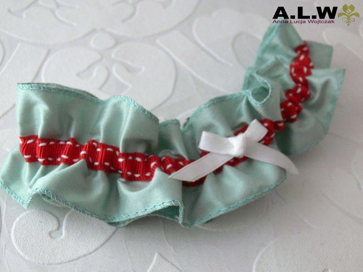 Strumpfband  in Mint und Rot  - SEIDE! von alw-design auf DaWanda.com