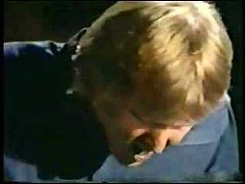 OMG, I LOVE THIS: Harry Nilsson On The Smothers Brothers Comedy Hour 1960s