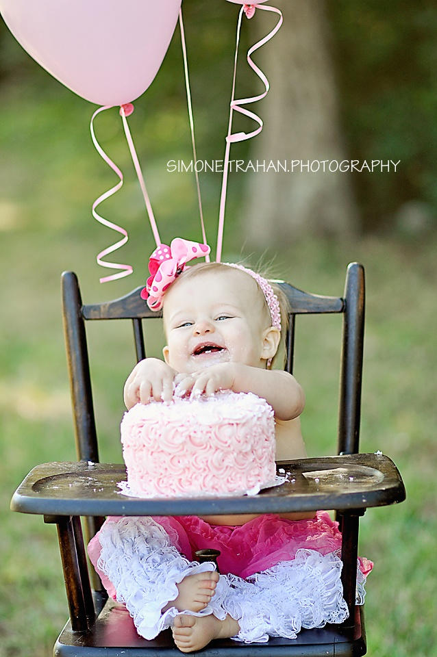 1st Birthday Smash Cake / Girl: this would be a cute pic in my old highchair