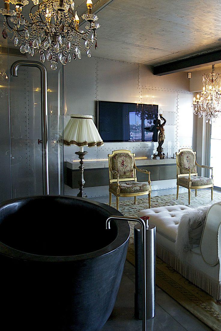 W House Bathroom Sitting Room - Bruce Stafford Architects