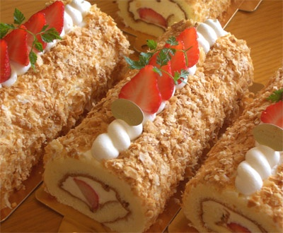 1000+ images about Cake roll -Strawberry- on Pinterest