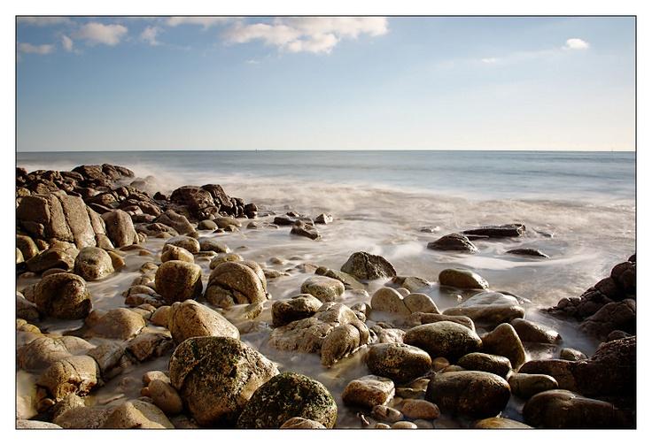 Douceur des roches polies par la mer à la pointe Saint Gilles à Bénodet   Finistère Bretagne