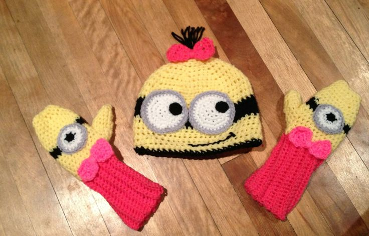 Free Crochet Connection: FREE Pattern Minion hat and mittens set @Christy Polek Polek Marez Hattie-cakes!