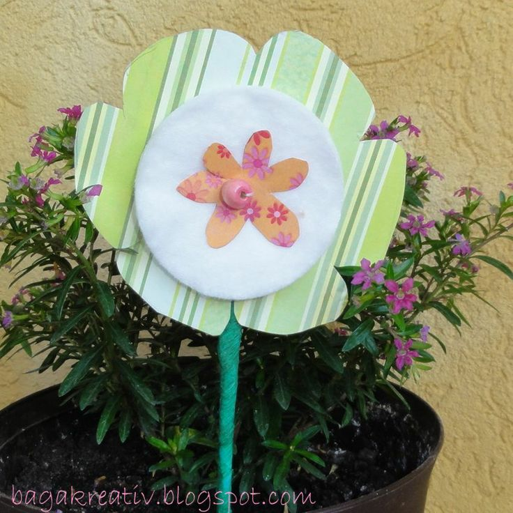 Paper flower with cotton pad